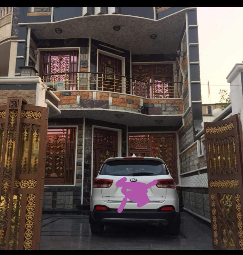 دار للبيع يقع في بغداد منطقة الشعب حي اور